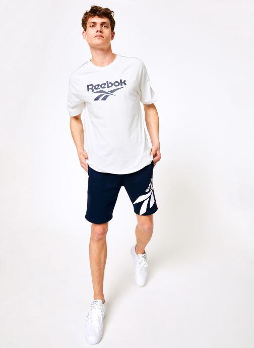 Vêtements Reebok CL V P FL Shorts Bleu vue bas / vue portée sac