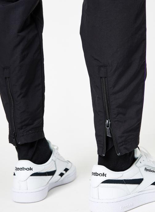 Kleding Reebok CL V P Trackpant Zwart voorkant