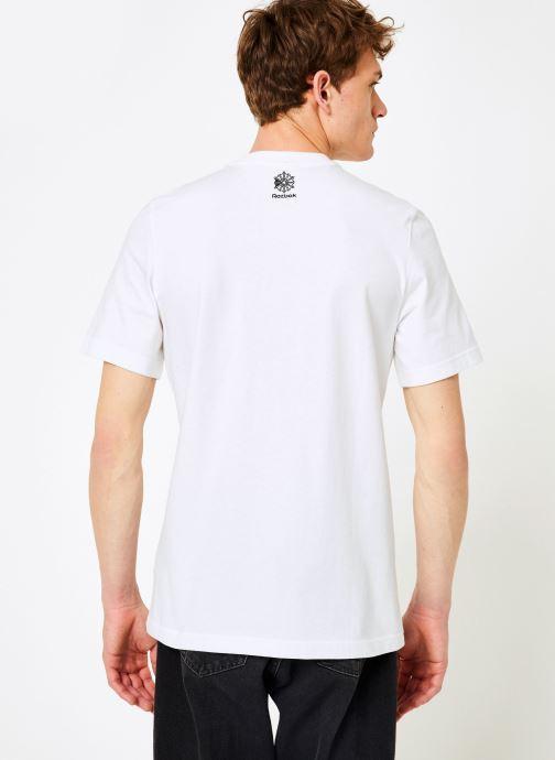 Kleding Reebok CL T-Shirts Wit model
