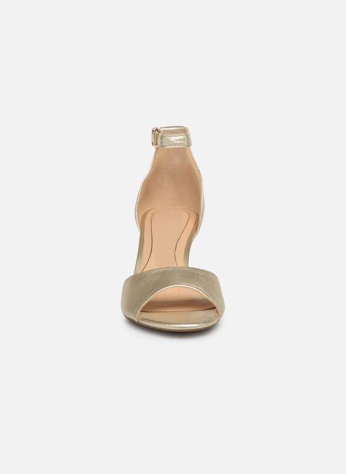 Sandalen Clarks LAURETI GRACE gold/bronze schuhe getragen
