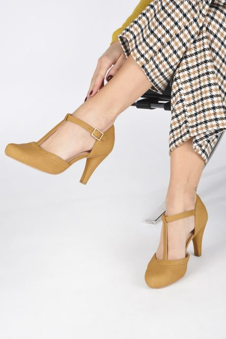High heels Clarks DALIA LEAH Yellow view from underneath / model view