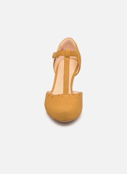 Escarpins Clarks DALIA LEAH Jaune vue portées chaussures