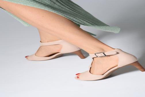 Sandales et nu-pieds Clarks LAURETI STAR Beige vue bas / vue portée sac