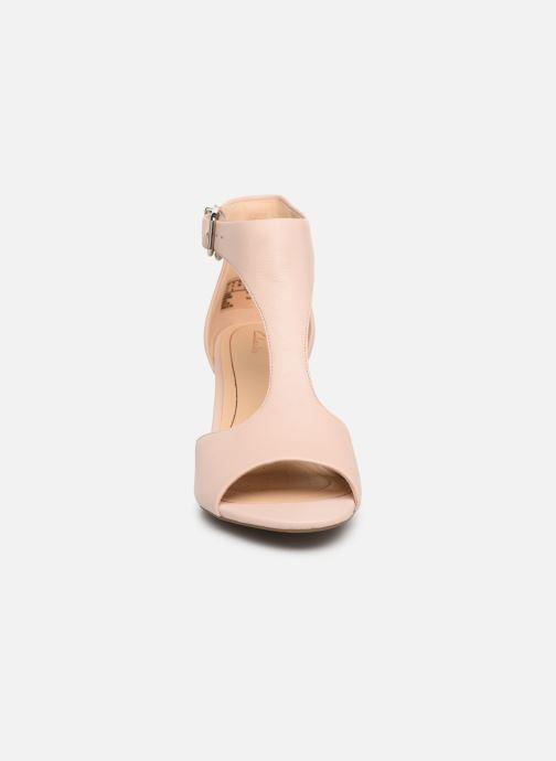 Sandales et nu-pieds Clarks LAURETI STAR Beige vue portées chaussures
