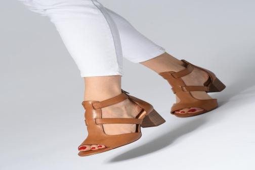 Sandales et nu-pieds Clarks DELORIA FAE Noir vue bas / vue portée sac