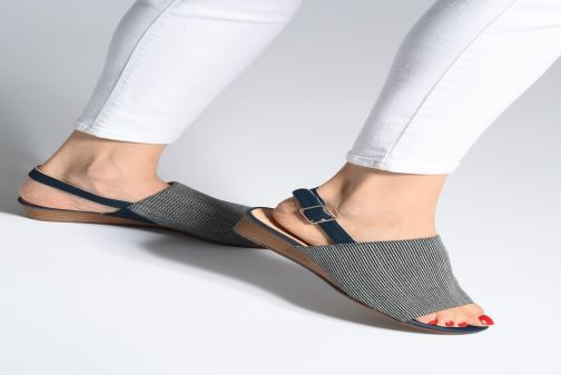 Sandals Clarks MENA LILY Black view from underneath / model view
