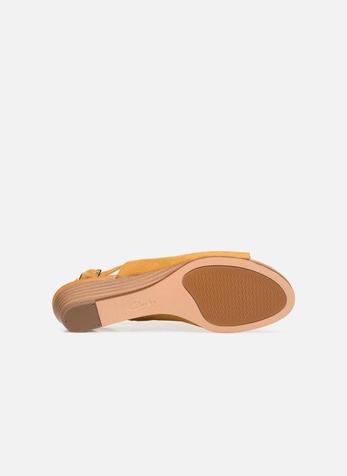Sandales et nu-pieds Clarks MENA LILY Jaune vue haut