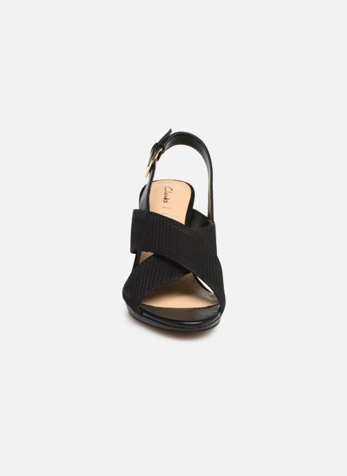Sandales et nu-pieds Clarks DALIA LOTUS Noir vue portées chaussures