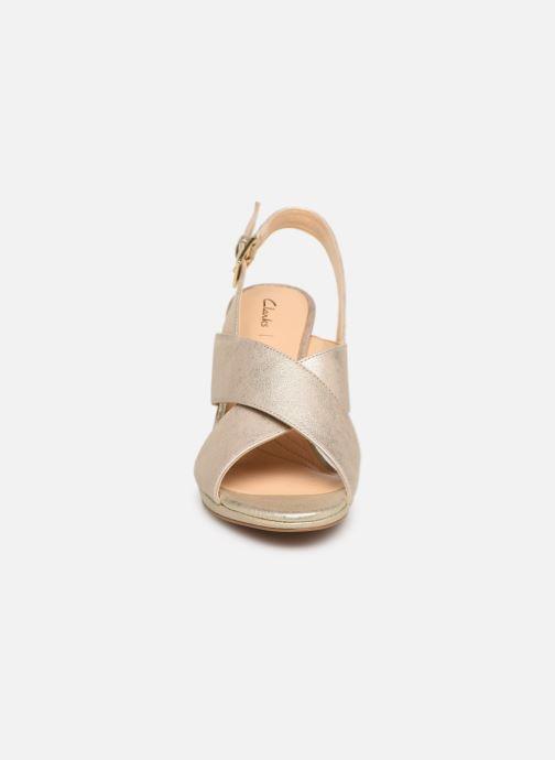 Sandales et nu-pieds Clarks DALIA LOTUS Or et bronze vue portées chaussures
