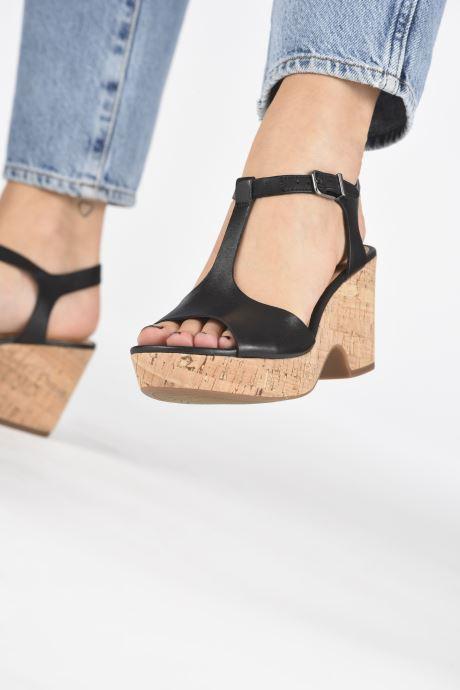 Sandales et nu-pieds Clarks MARITSA CARIE Noir vue bas / vue portée sac