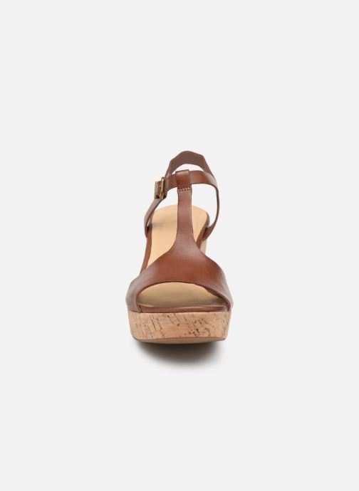Sandales et nu-pieds Clarks MARITSA CARIE Marron vue portées chaussures