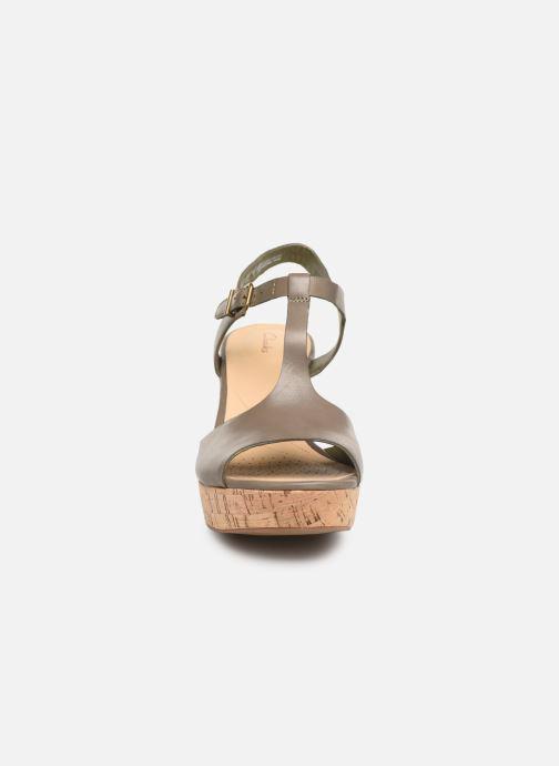 Sandales et nu-pieds Clarks MARITSA CARIE Vert vue portées chaussures