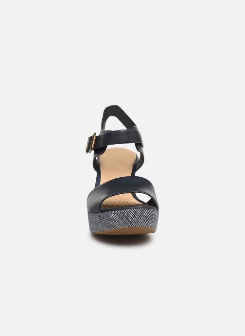 Sandales et nu-pieds Clarks MARITSA JANNA Bleu vue portées chaussures