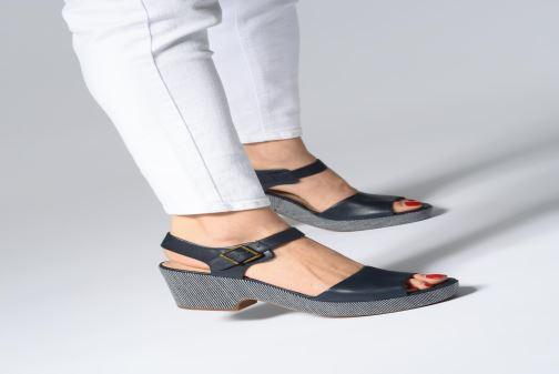 Sandales et nu-pieds Clarks MARITSA JANNA Beige vue bas / vue portée sac