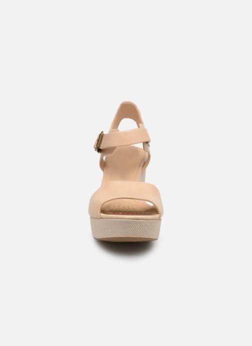 Sandales et nu-pieds Clarks MARITSA JANNA Beige vue portées chaussures
