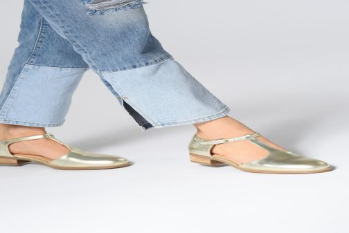 Loafers Clarks NETLEY FRESH Bronze and Gold view from underneath / model view