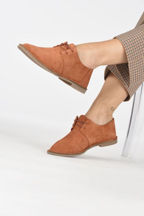 be256b118093 Lace-up shoes Clarks ERIN WEAVE Orange view from underneath   model view