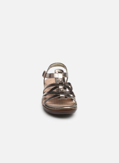 Sandales et nu-pieds Clarks LOOMIS KATEY Argent vue portées chaussures