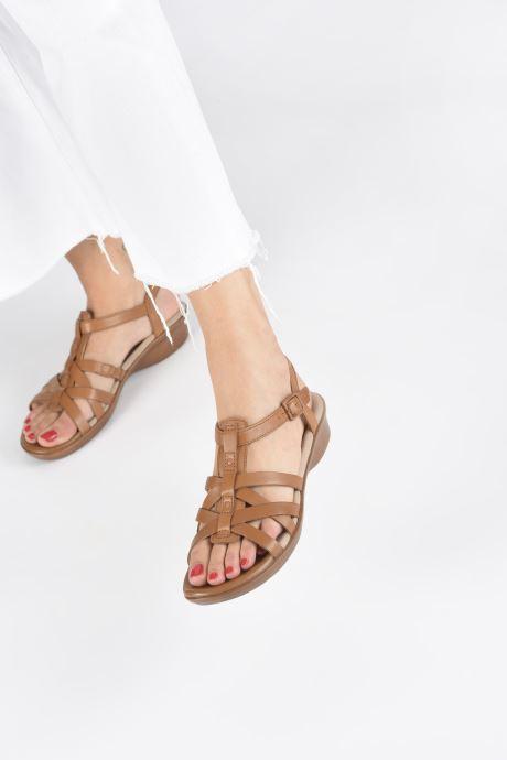 Sandales et nu-pieds Clarks LOOMIS KATEY Marron vue bas / vue portée sac