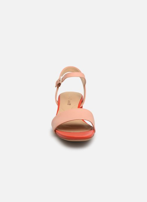 Sandalen Clarks ORABELLA IRIS rosa schuhe getragen
