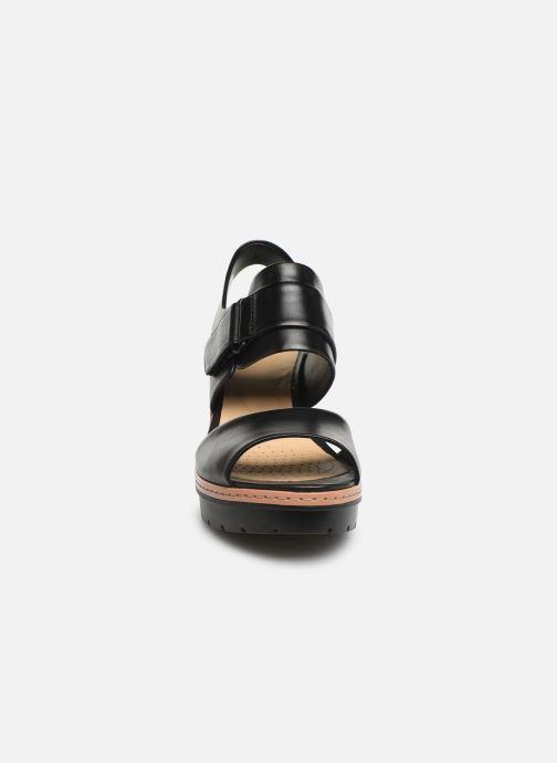 Sandales et nu-pieds Clarks PALM STELLAR Noir vue portées chaussures