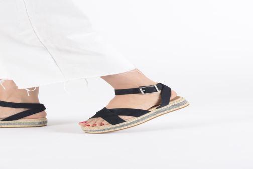 Sandalen Clarks BOTANIC POPPY schwarz ansicht von unten / tasche getragen