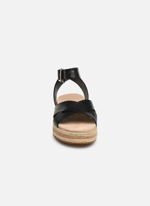 Sandales et nu-pieds Clarks BOTANIC POPPY Noir vue portées chaussures