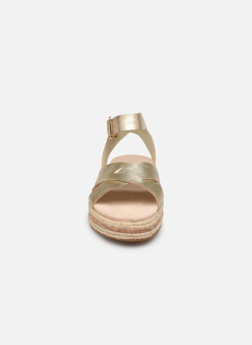 Sandales et nu-pieds Clarks BOTANIC POPPY Or et bronze vue portées chaussures