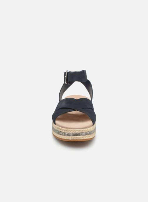 Sandales et nu-pieds Clarks BOTANIC POPPY Bleu vue portées chaussures