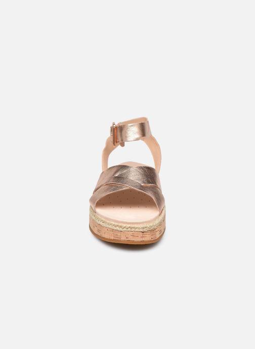 Sandales et nu-pieds Clarks BOTANIC POPPY Argent vue portées chaussures