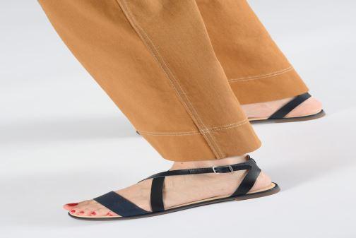 Sandales et nu-pieds Clarks BAY ROSIE Bleu vue bas / vue portée sac