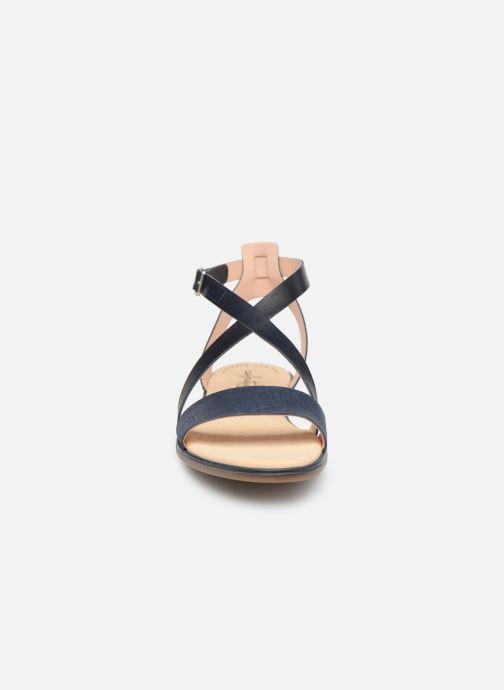 Sandales et nu-pieds Clarks BAY ROSIE Bleu vue portées chaussures