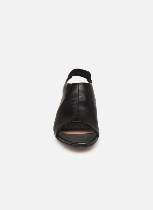Sandales et nu-pieds Clarks SENSE SILK Noir vue portées chaussures