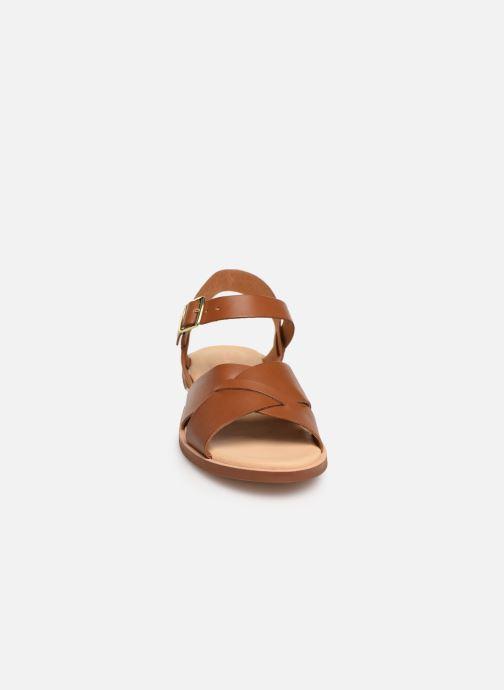 Sandales et nu-pieds Clarks WILLOW GILD Marron vue portées chaussures