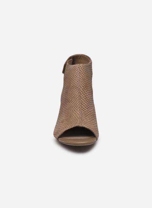 Sandales et nu-pieds Clarks DEVA BELL Vert vue portées chaussures