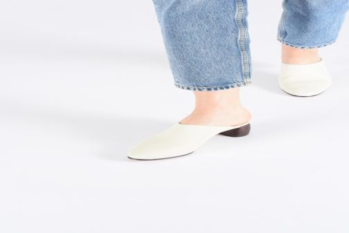 b7ef567157 Clogs & Pantoletten Clarks GRACE BLUSH weiß ansicht von unten / tasche  getragen