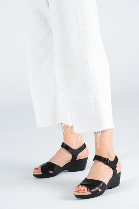 Sandals Clarks Lynette Deb Black view from underneath / model view