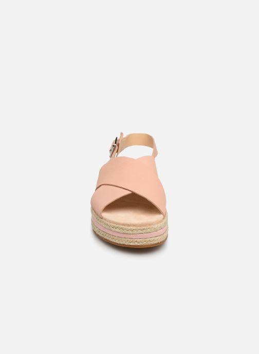 Sandales et nu-pieds Clarks Botanic Fay Rose vue portées chaussures