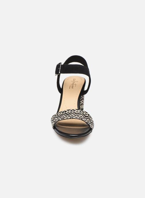Sandals Clarks Amali Weave Black model view