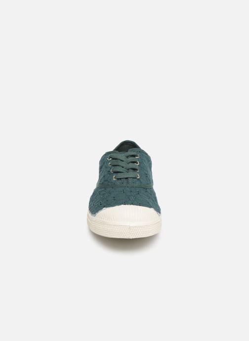 Baskets Bensimon Tennis Lacet Broderie Anglaise Vert vue portées chaussures