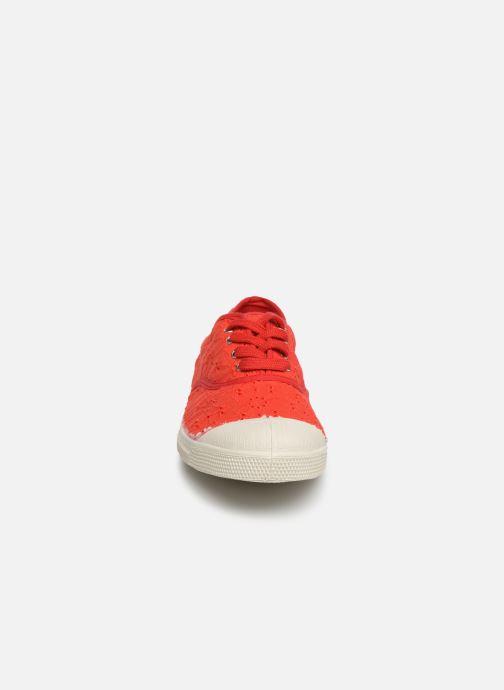 Baskets Bensimon Tennis Lacet Broderie Anglaise Rouge vue portées chaussures