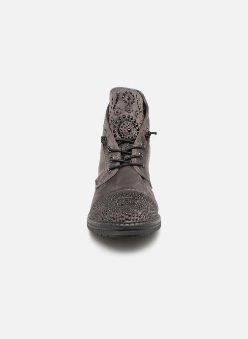 Bottines et boots Marco Tozzi 2-2-25206-21  237 Gris vue portées chaussures