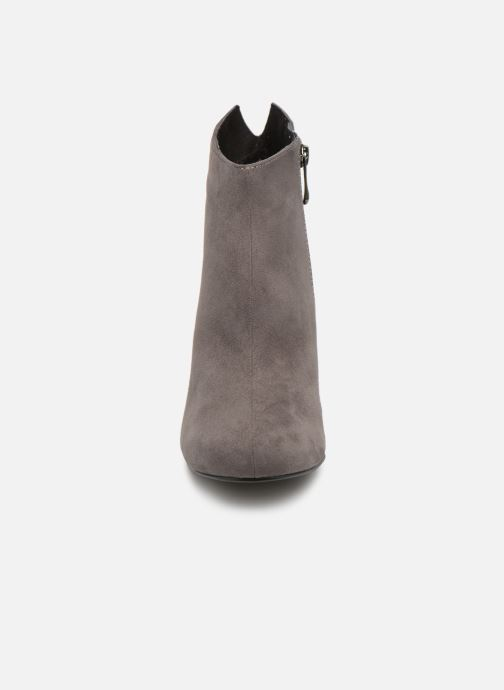 Ankle boots Marco Tozzi 2-2-25391-21  239 Grey model view