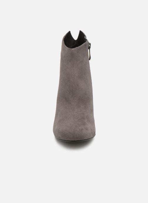 Bottines et boots Marco Tozzi 2-2-25391-21  239 Gris vue portées chaussures