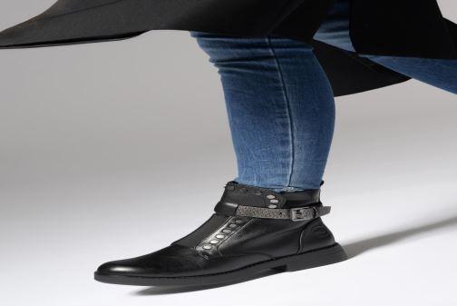 Stiefeletten & Boots Marco Tozzi 2-2-25447-21  096 schwarz ansicht von unten / tasche getragen