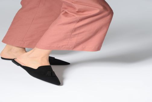 Mules & clogs Pretty Ballerinas 46622 Black view from underneath / model view