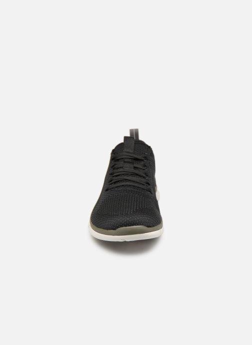Baskets Clarks TRIKEN RUN Noir vue portées chaussures