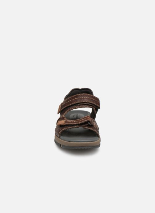 Sandals Clarks Brixby Shore Brown model view