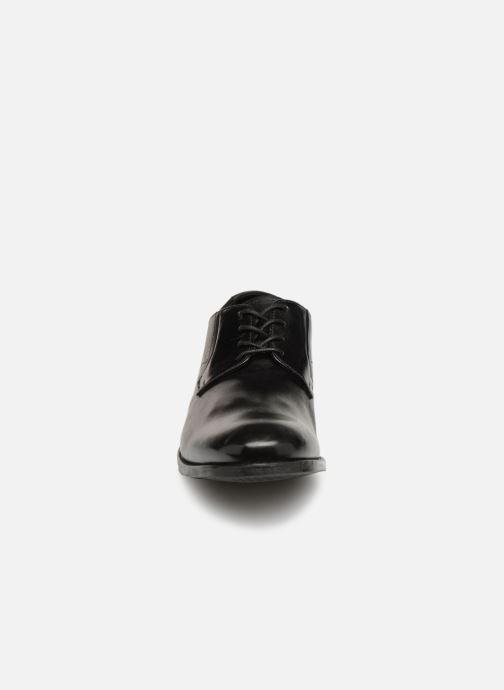 Chaussures à lacets Clarks EDWARD PLAIN Noir vue portées chaussures