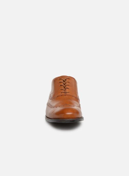 Chaussures à lacets Clarks EDWARD WALK Marron vue portées chaussures